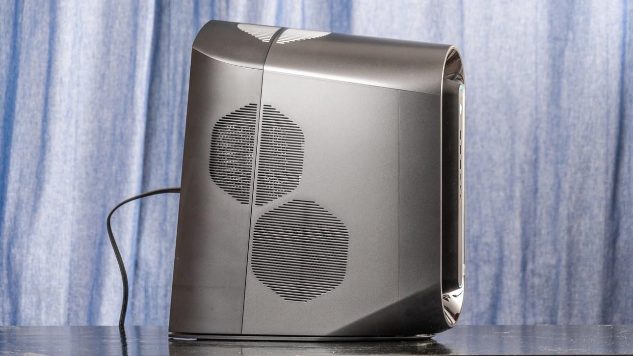 Alienware Aurora Ryzen Edition R10 (2021) левая сторона