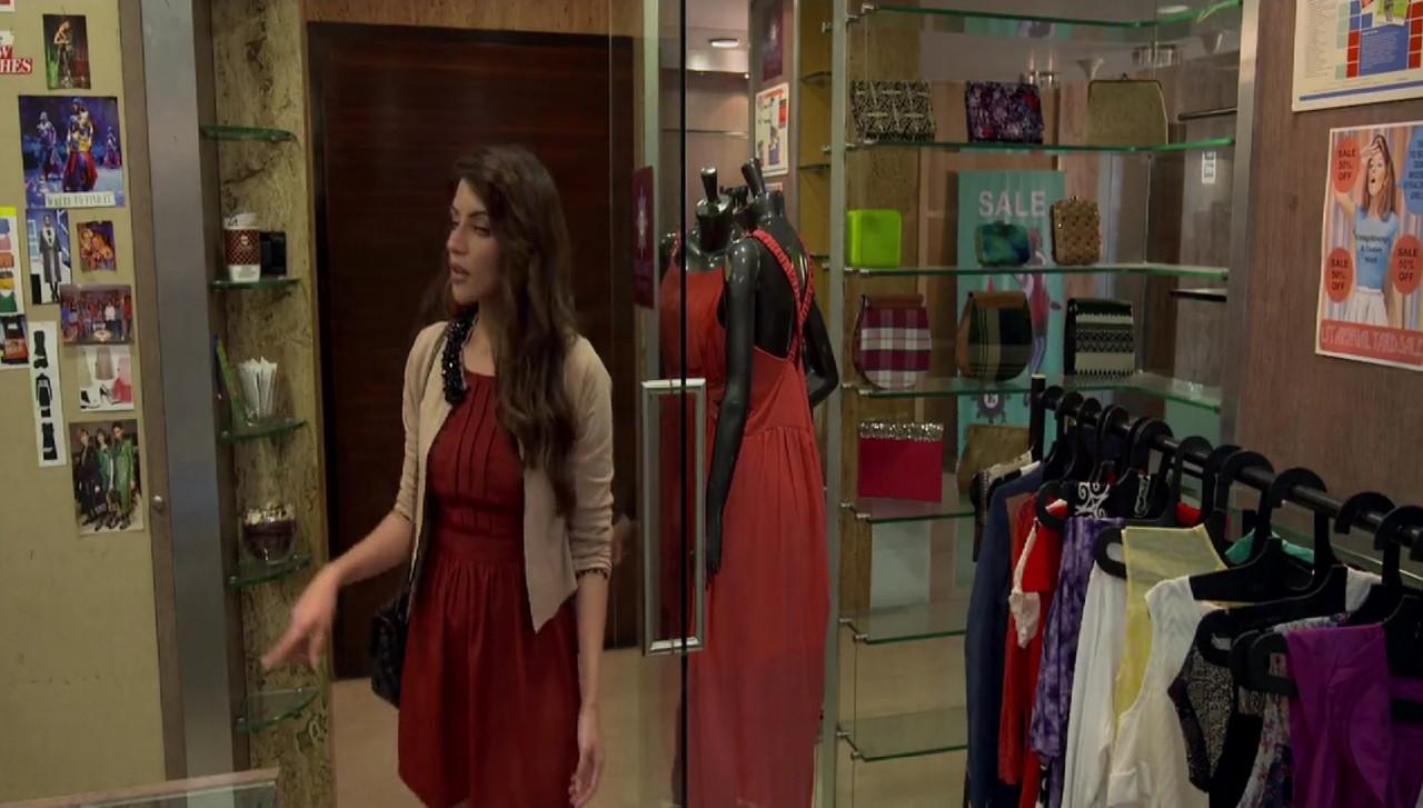 Maaya: Slave of Her Desires Movie Screenshot