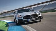 2020-Mercedes-AMG-GT-R-PRO-9