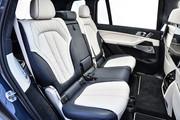2020-BMW-X7-95