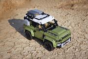 2020-Land-Rover-Defender-LEGO-Technic-2