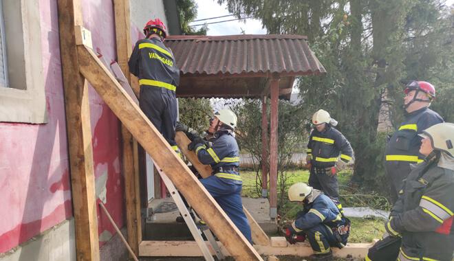podupiranje-zida-kuce-nakon-potresa