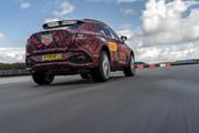 2020-Aston-Martin-DBX-4