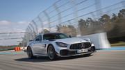 2020-Mercedes-AMG-GT-R-PRO-10