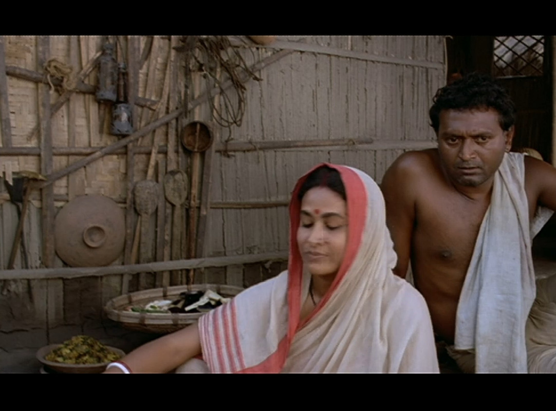 Padma Nadir Majhi Movie Screenshot