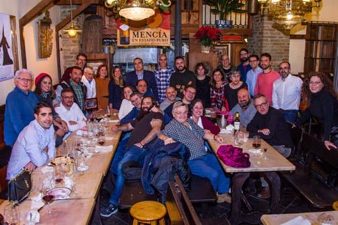 Foto de Familia undécimo encuentro de Plumillas Bercianos