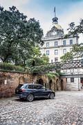 2020-BMW-X7-104