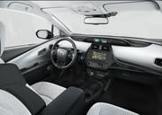 2019-Toyota-Prius-Plug-in-Hybrid-8