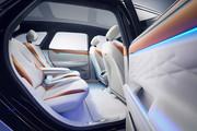 Volkswagen-ID-Space-Vizzion-concept-15