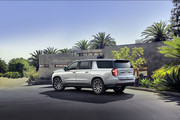 2021-Chevrolet-Tahoe-Suburban-10