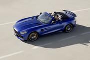 Mercedes-AMG-GT-R-Roadster-2