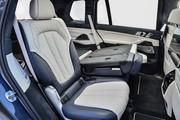 2020-BMW-X7-97