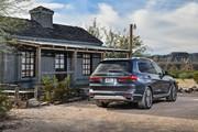 2020-BMW-X7-33