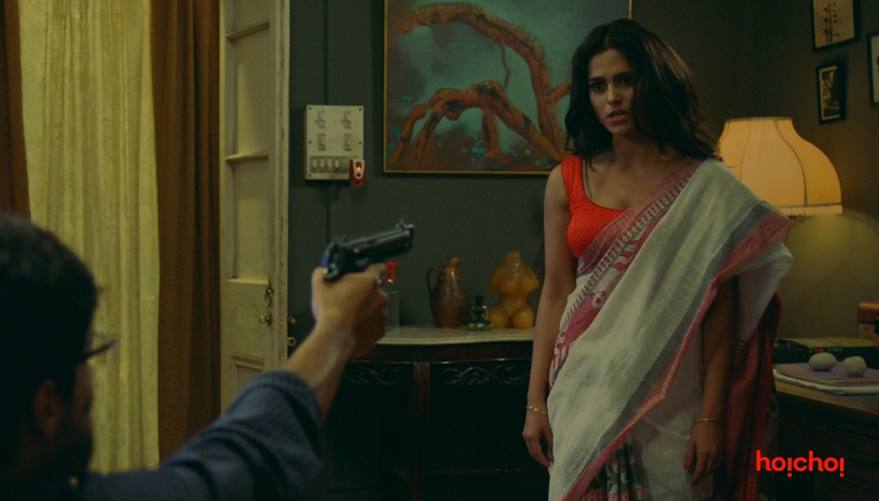 Charitraheen Movie Screenshot