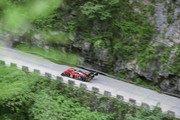 Volkswagen-ID-R-climbs-Tianmen-Mountain-in-738-minutes-8