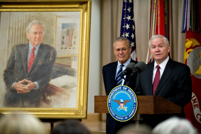 Robert Gates speaking at Donald Rumsfeld portrait ceremony