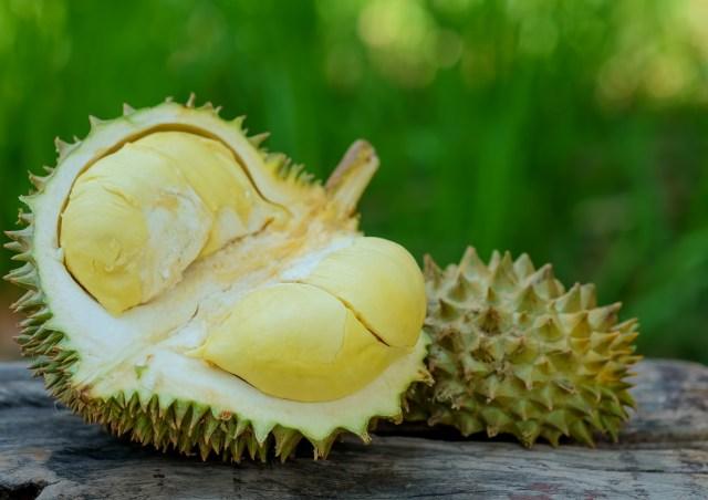 buah durian yang sudah dibuka