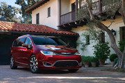 2020-Chrysler-Pacifica-Red-S-Edition-50