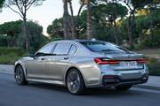 2020-BMW-7-Series-24