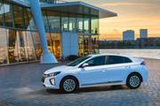 2020-Hyundai-Ioniq-Electric-12
