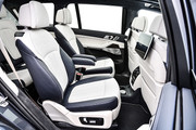 2020-BMW-X7-99