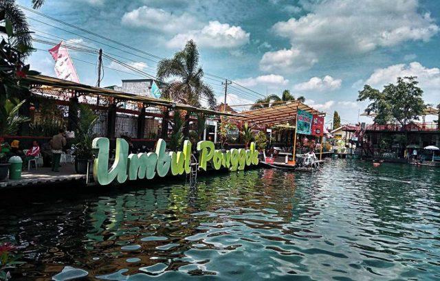 Umbul Ponggok taman tema air