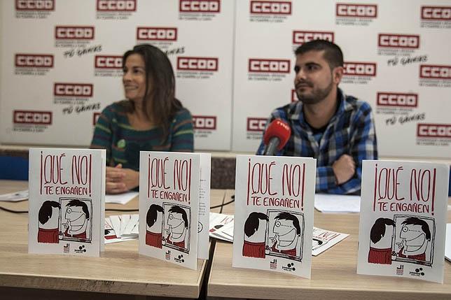 María Jesús Martín y Alejandro Martínez en la rueda de prensa de ayer.  Óscar Navarro