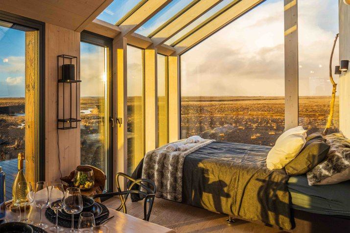 Bedroom with a view, The Dome House Hella, Iceland [4096 x 2732]
