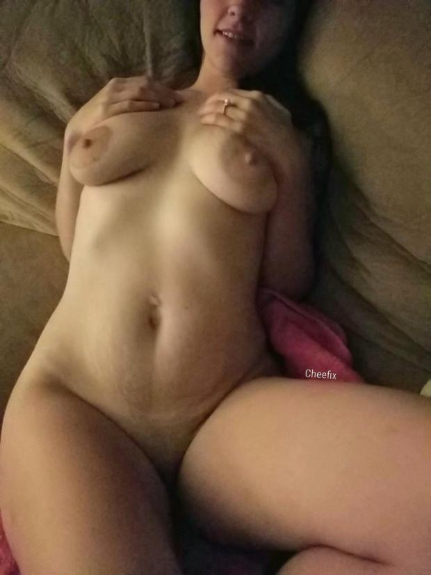 4fnic65gbx611 - Thicc Nude Selfie