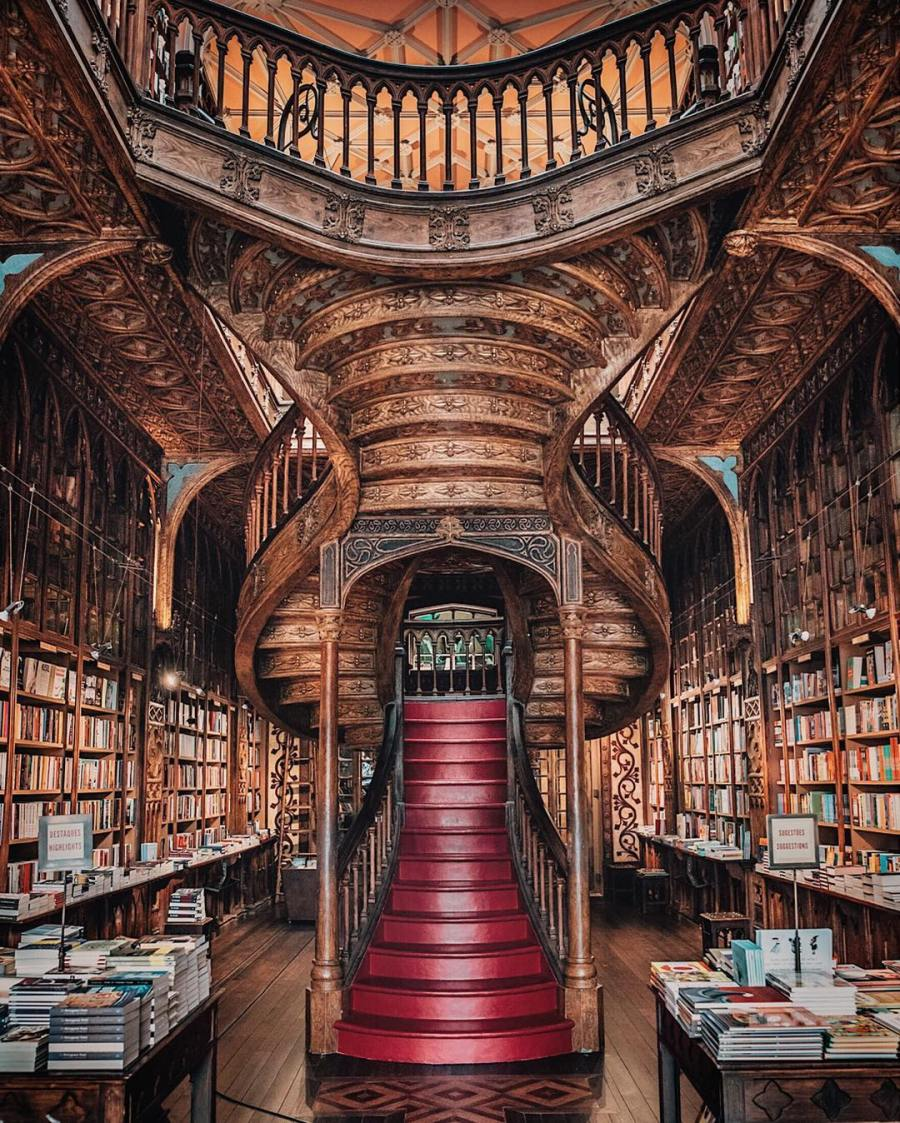 Livraria Lello, a bookstore in Portugal : Libraryporn