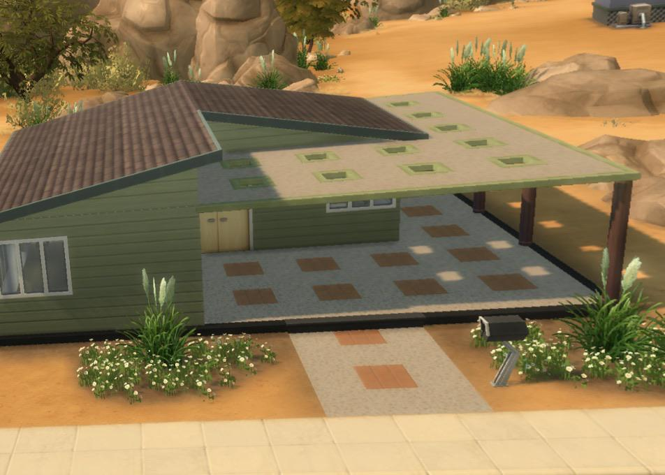 sandtrap flat has this patio cover with