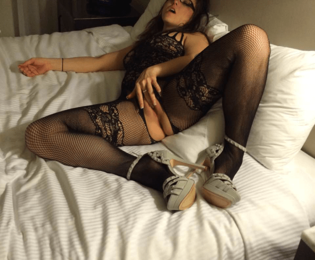 9lbqy20ng5s01 - Lingerie in bed Nude Selfie
