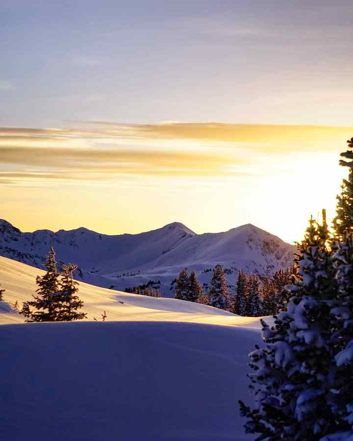 Montana winter sunset (Photo credit to Brodos Photography)