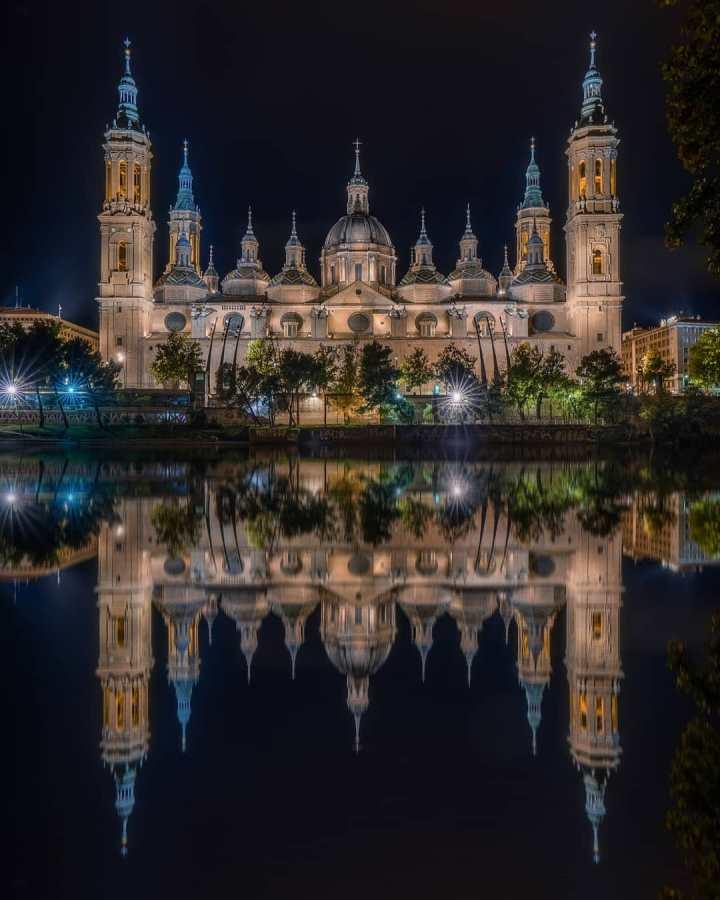 Basílica de Nuestra Señora del Pilar Zaraqoza, Spain (Photo credit to Pol Albarran)