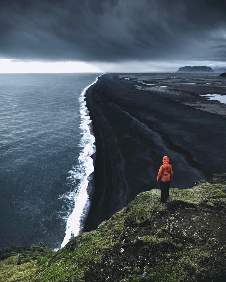 Iceland S Black Sand Beach Thalassophobia