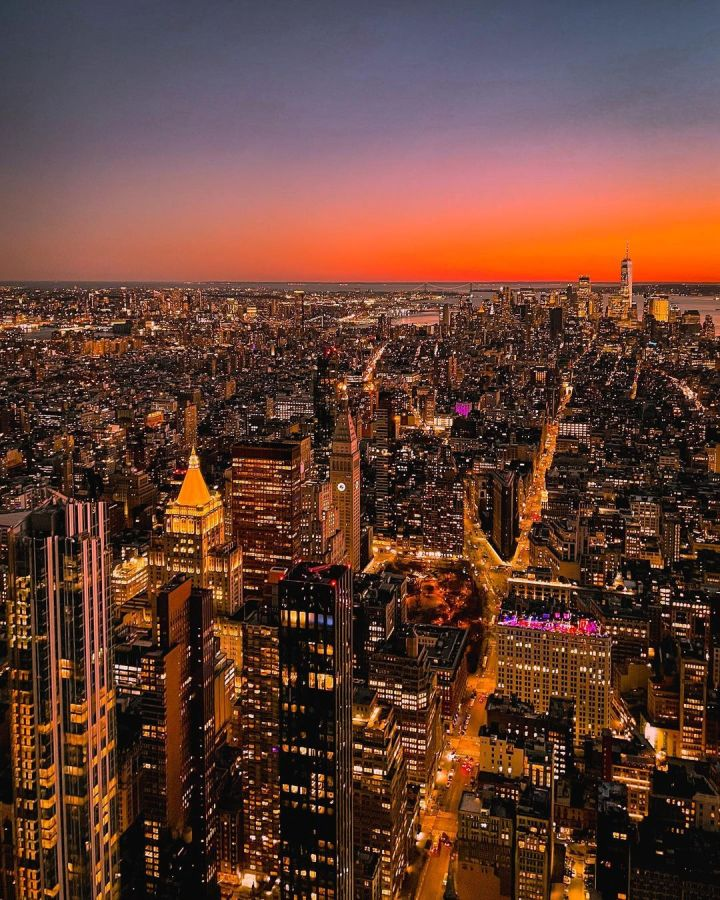 Sunset in New York (Photo credit to @an_uptown_girl)