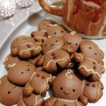 Tried Polymer Clay For The First Time Yesterday With A Tutorial From Youtube And I M Hooked Made This Gingerbread Men As Decorations For Christmas Presents Unfortunately They Slightly Burned Polymerclay