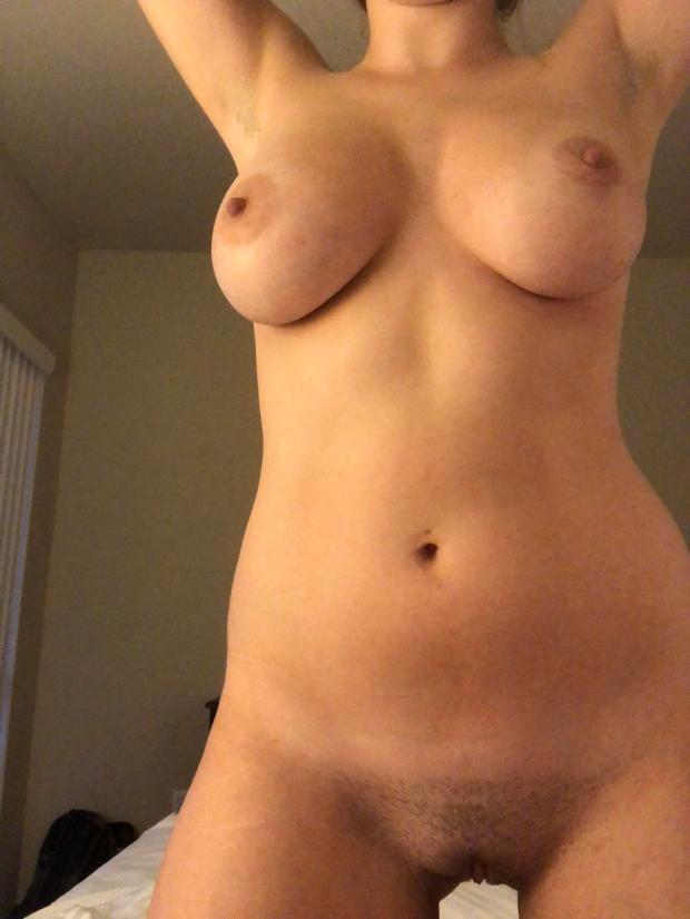 pra286dlrut11 - (F)ull frontal Nude Selfie