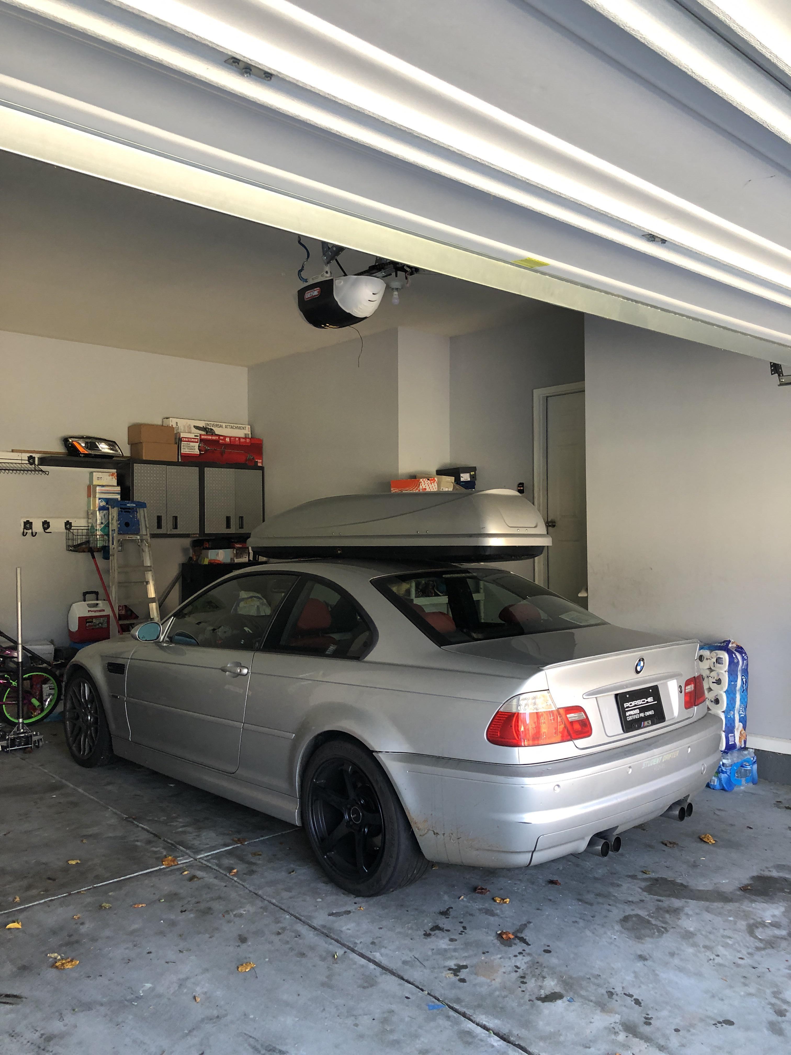 porsche roof box on my basik m3 roof