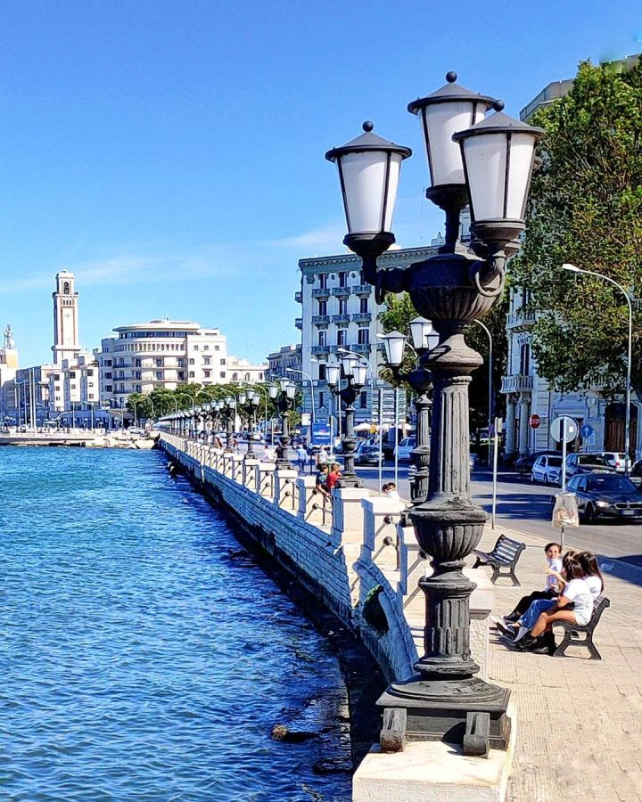 The promenade in Bari, Puglia (Photo credit to Antonio Putignano)