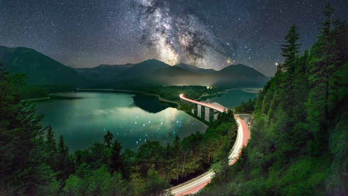 Milky Way Lonely Road. [3840×2160] by : johannes-holzer