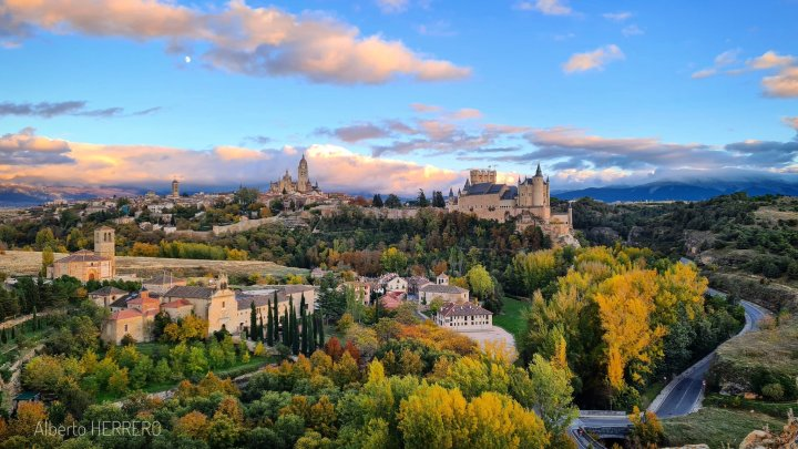 Segovia, Spain (Photo credit to Alberto Herroro) [2048 x 1152]