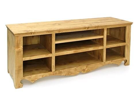 un meuble tv en planche de pin brut