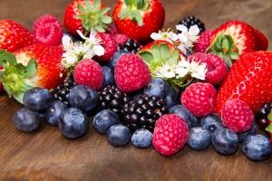 Les 10 meilleurs aliments pour élever votre vibration Fruits10