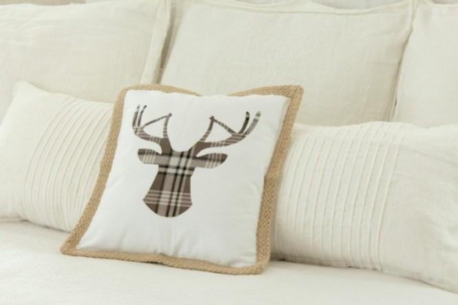 Deer Candleholders Via Shelterness