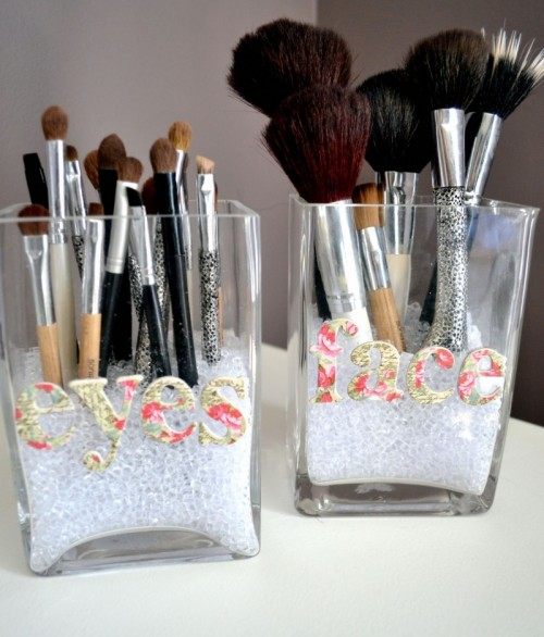 Simple Diy Makeup Brush Holders