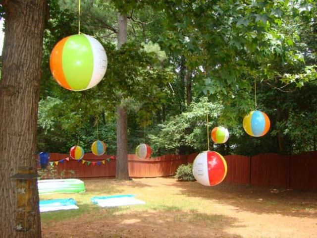 23 Colorful Kid's Pool Party Decorations