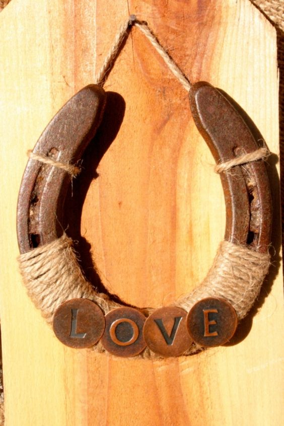26 Rustic Horseshoe Home D 233 Cor Ideas Shelterness