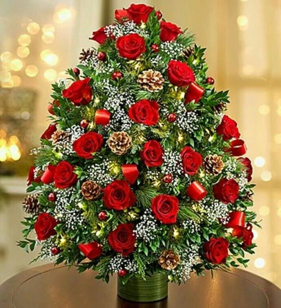 20 Chic Christmas Flower Arrangements Shelterness