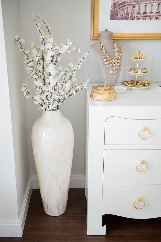 24 Floor Vases Ideas For Stylish Home Dcor Shelterness